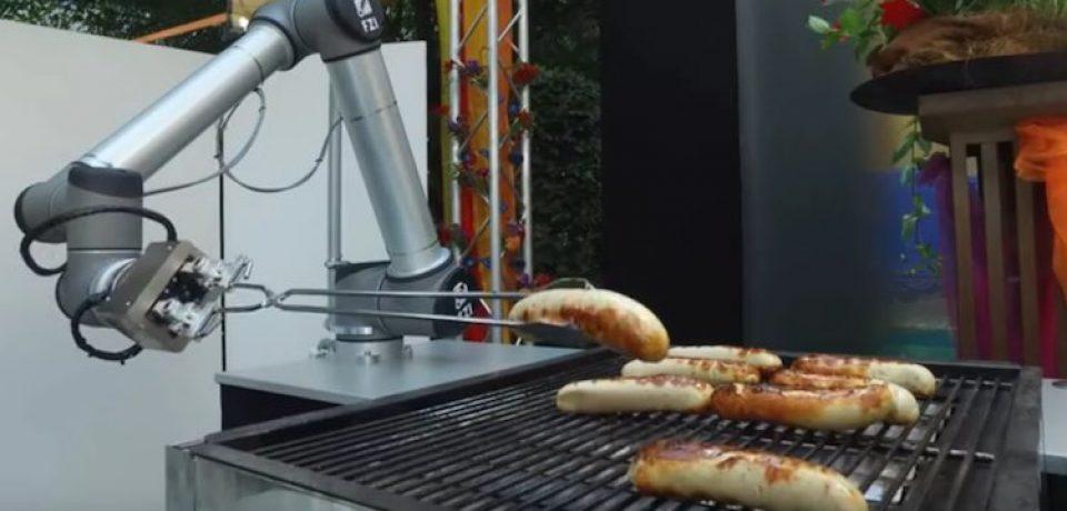 Bratwurst، ربات آلمانی که آشپزی می کند…