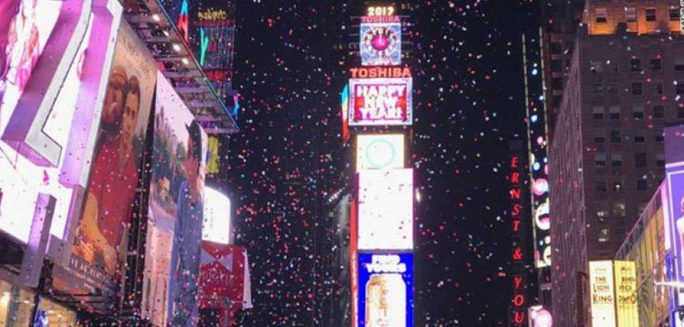 تصاویر خیره کننده ثبت شده توسط آیفون ۷ در جشن سال نو میلادی را تماشا کنید!