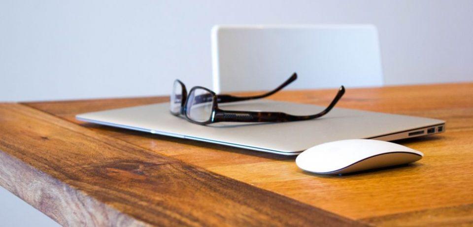 گزارش: اپل به همراه Carl Zeiss در حال ساخت عینک های واقعیت افزوده است