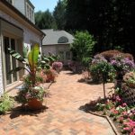 سنگ فرش حیاط در طراحی فضای سبز
