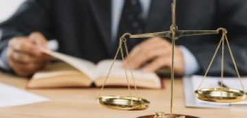 چرا به وکیل نیاز داریم