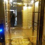 دلیل نصب آینه در آسانسور