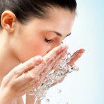 اهمیت پاک کردن آرایش قبل از خواب