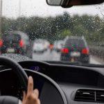 رانندگی در روز بارانی