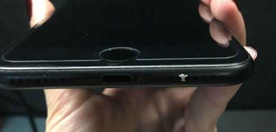 برخی از iPhone 7های با رنگ Matte Black با مشکل پوسته پوسته شدن رنگ مواجه هستند