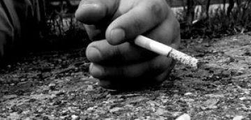 چرا جوانان مواد مخدر مصرف می کنند