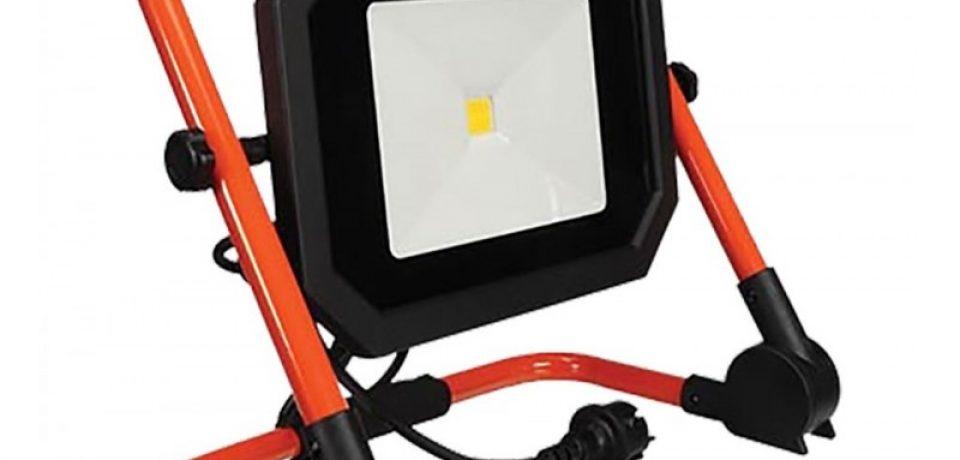 کار پروژکتور LED چیست
