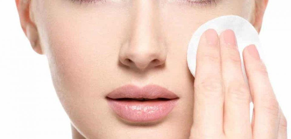 پاک کردن آرایش صورت با روغن های طبیعی