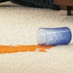 هر آنچه در مورد تمیز کردن لکه های فرش باید بدانید